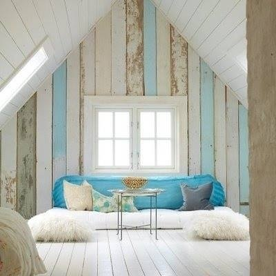 I'm pretty crazy about this room from the Facebook page of the Novegratz family. Perfect marriage of modern and rustic chic...my kind of nook!