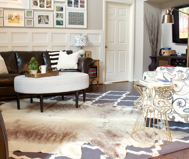 style at home layering rugs pearls slipping off a string. Black Bedroom Furniture Sets. Home Design Ideas